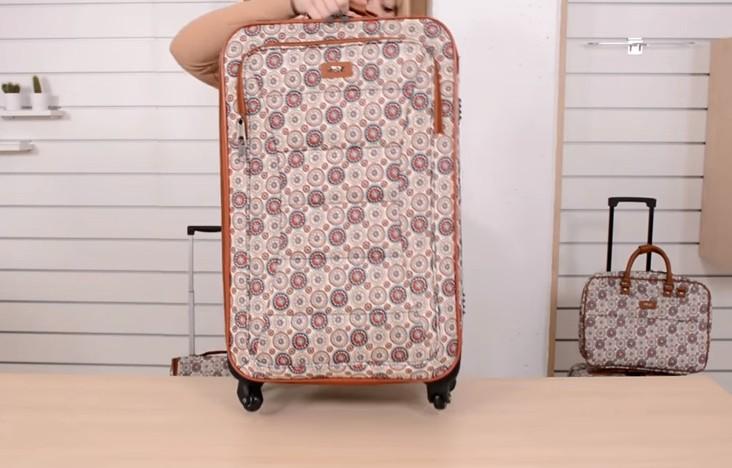 0ccbf1269 ... se encuentra perfectamente avalado por los mejores sistemas de control  de calidad que te ayuda a que reconozcas una buena compra de maletas  hipercor.